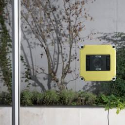 Robot lave-vitres et multi-surfaces Ooobot vitres pro